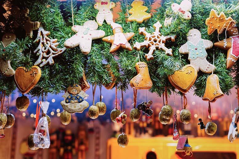 Koko perheen joulumyyjäiset ja lastenkirppis